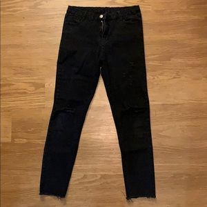 Black destroyed jeans